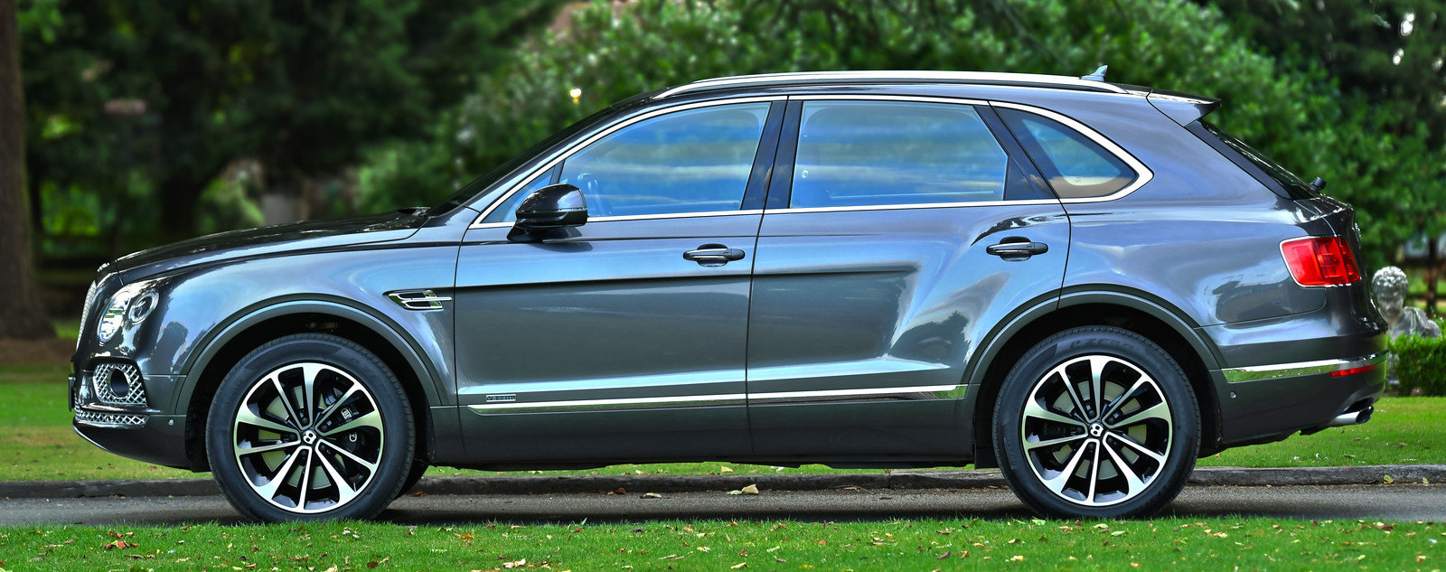 2017 Bentley Bentayga 4.0 Twin Turbo V8 Diesel 4x4 For Sale (picture 2 of 6)