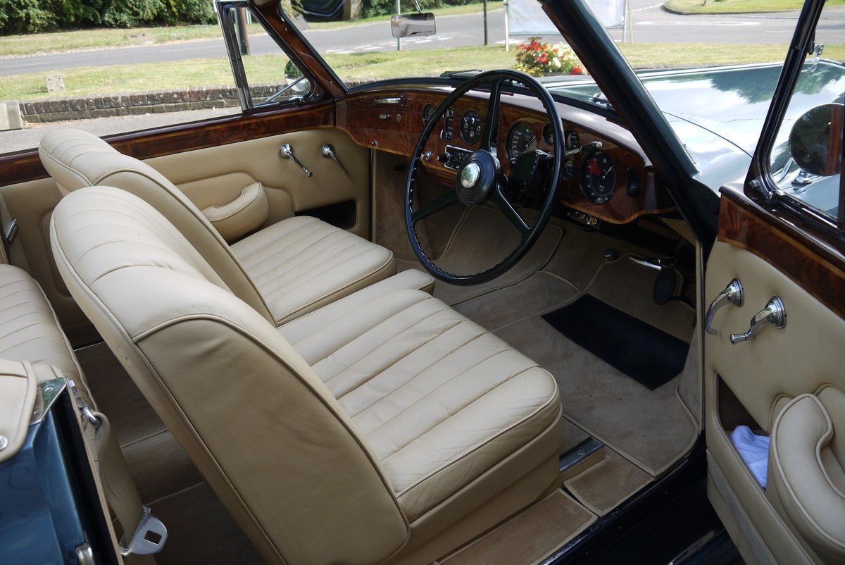 Bentley S1 Continental 1959 Drophead Coupe by Park Ward For Sale (picture 3 of 4)