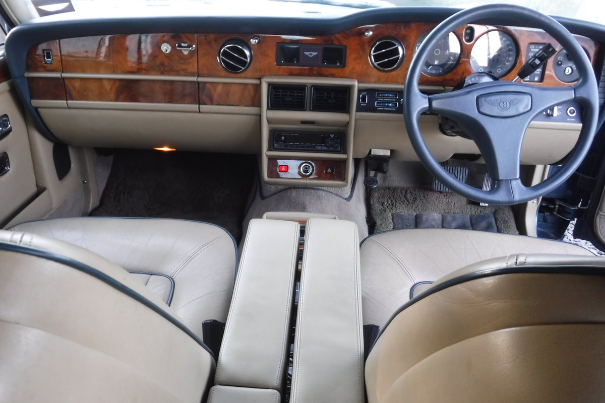 1986 BENTLEY MULSANNE ONLY 72000 MILES 27 SERVICE STAMPS SEE VID SOLD (picture 4 of 6)