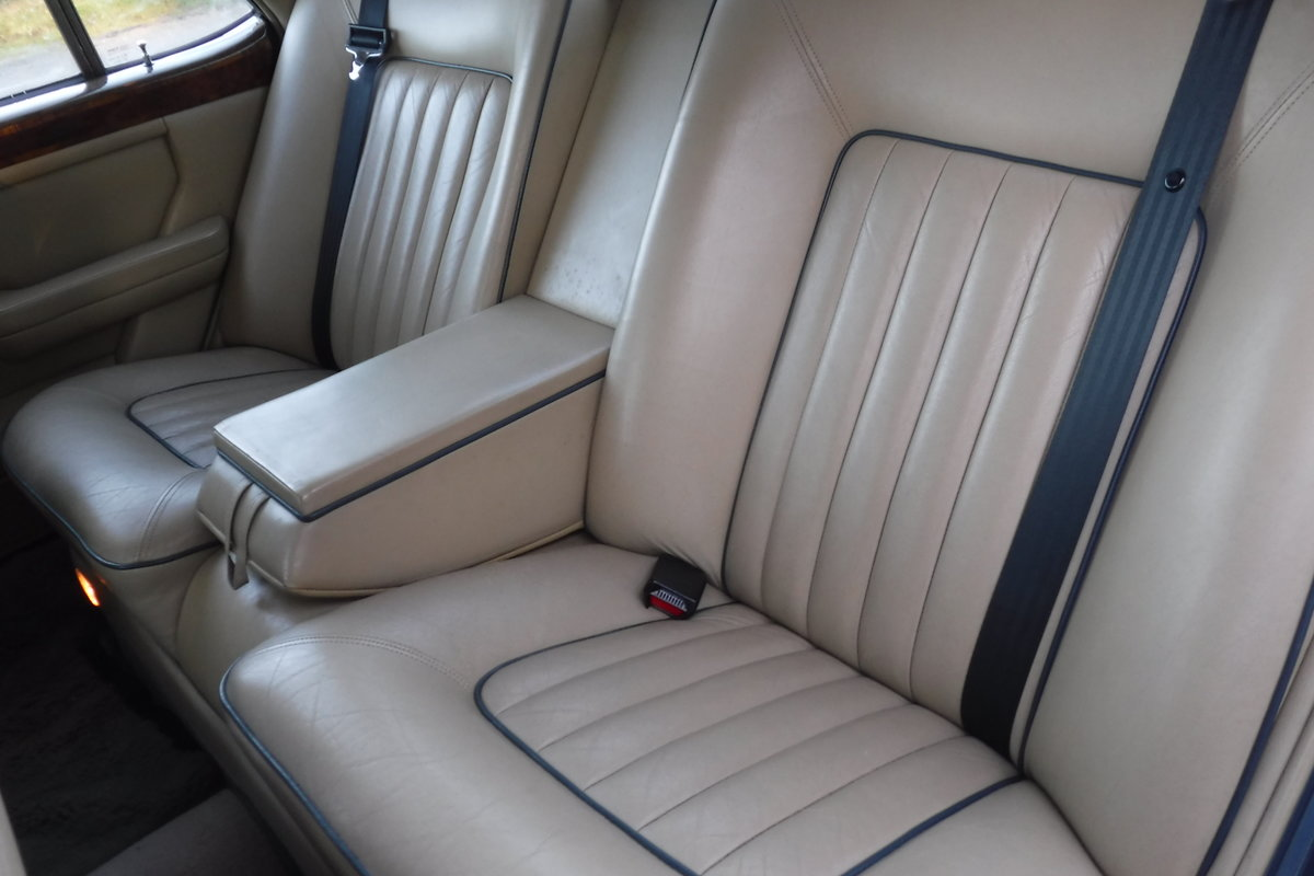 1986 BENTLEY MULSANNE ONLY 72000 MILES 27 SERVICE STAMPS SEE VID SOLD (picture 5 of 6)