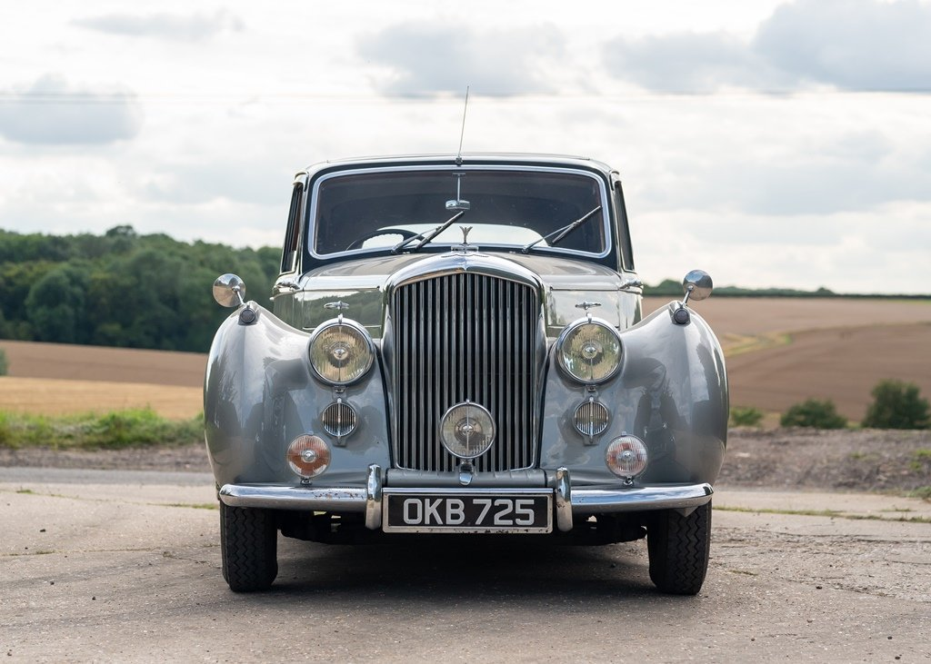 1953 Bentley R-Type Saloon (Standard Steel ) SOLD by Auction (picture 1 of 6)