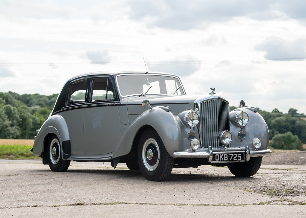 1953 Bentley R-Type Saloon (Standard Steel ) SOLD by Auction (picture 2 of 6)