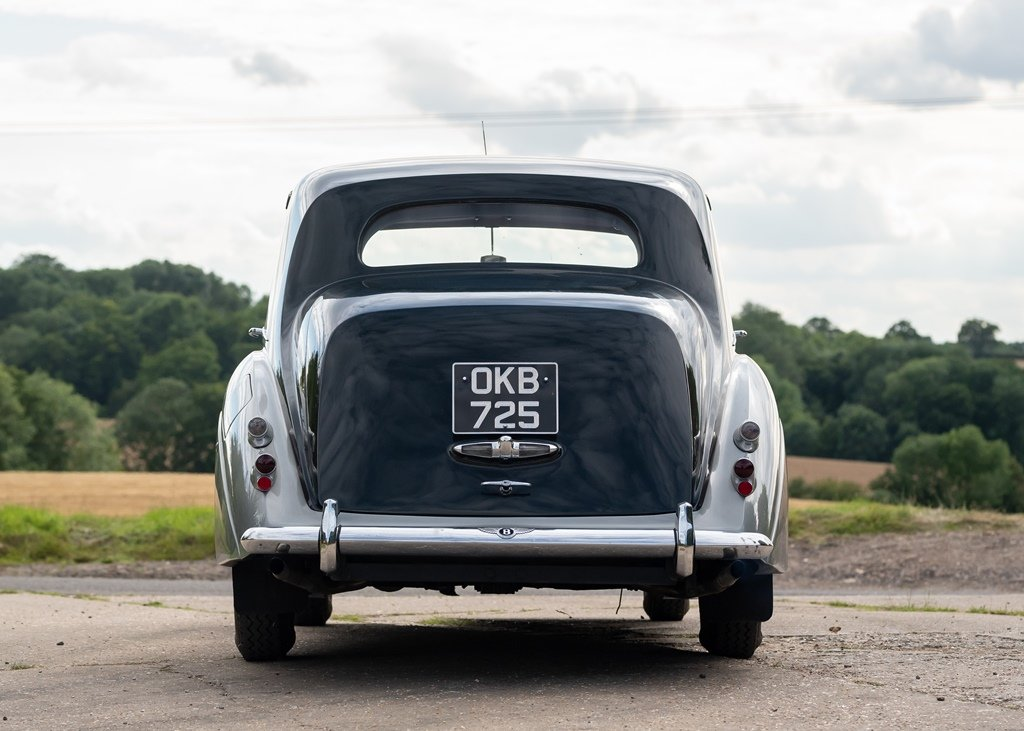 1953 Bentley R-Type Saloon (Standard Steel ) SOLD by Auction (picture 4 of 6)