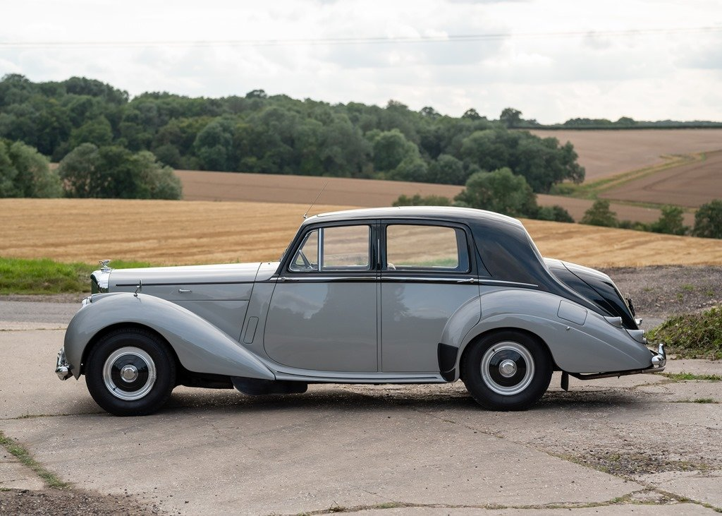 1953 Bentley R-Type Saloon (Standard Steel ) SOLD by Auction (picture 5 of 6)