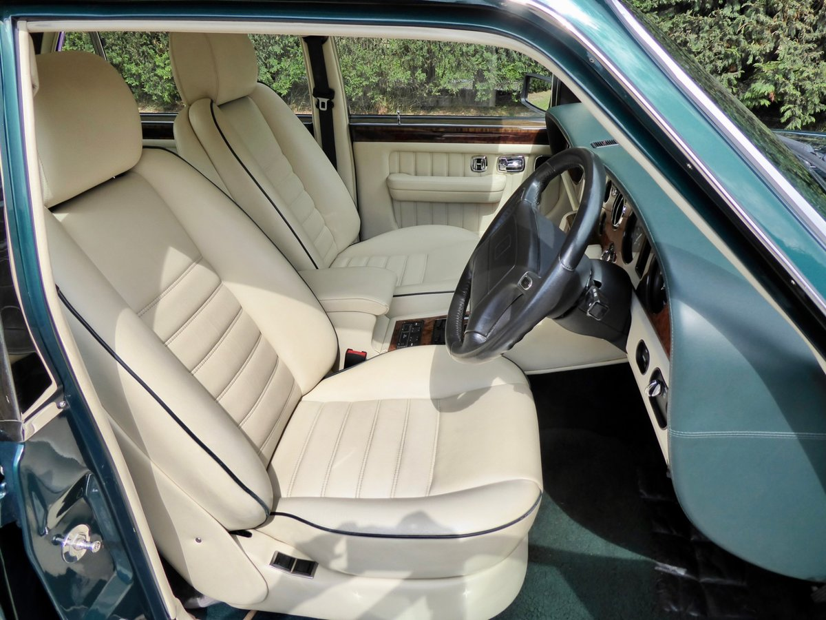 1997 Bentley Turbo RT   ( 28,700 miles ) For Sale (picture 5 of 6)