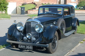 1937 Bentley 4 1/4 Mann Egerton Saloon For Sale