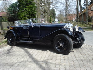 Bentley 4 litre No. 22 with the powerful 6 1/2 litre engine