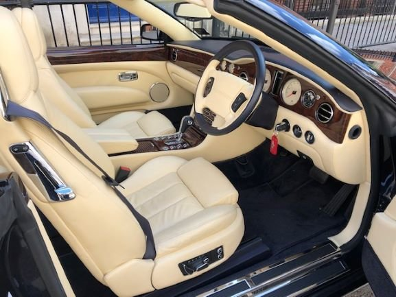 2006 Bentley Azure 3,300 miles For Sale (picture 2 of 4)