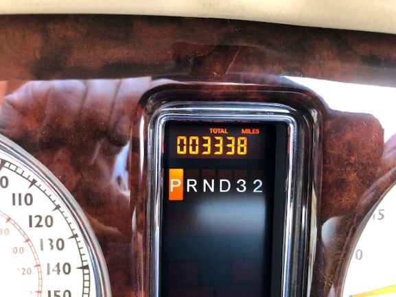 2006 Bentley Azure 3,300 miles For Sale (picture 3 of 4)