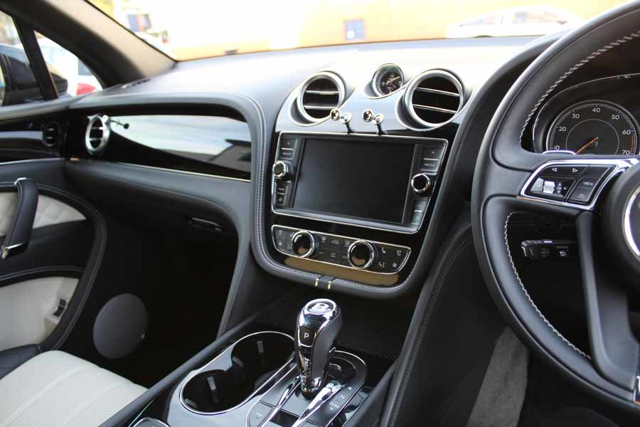 2017 Bentley Bentayga W12 For Sale in London For Sale (picture 23 of 24)