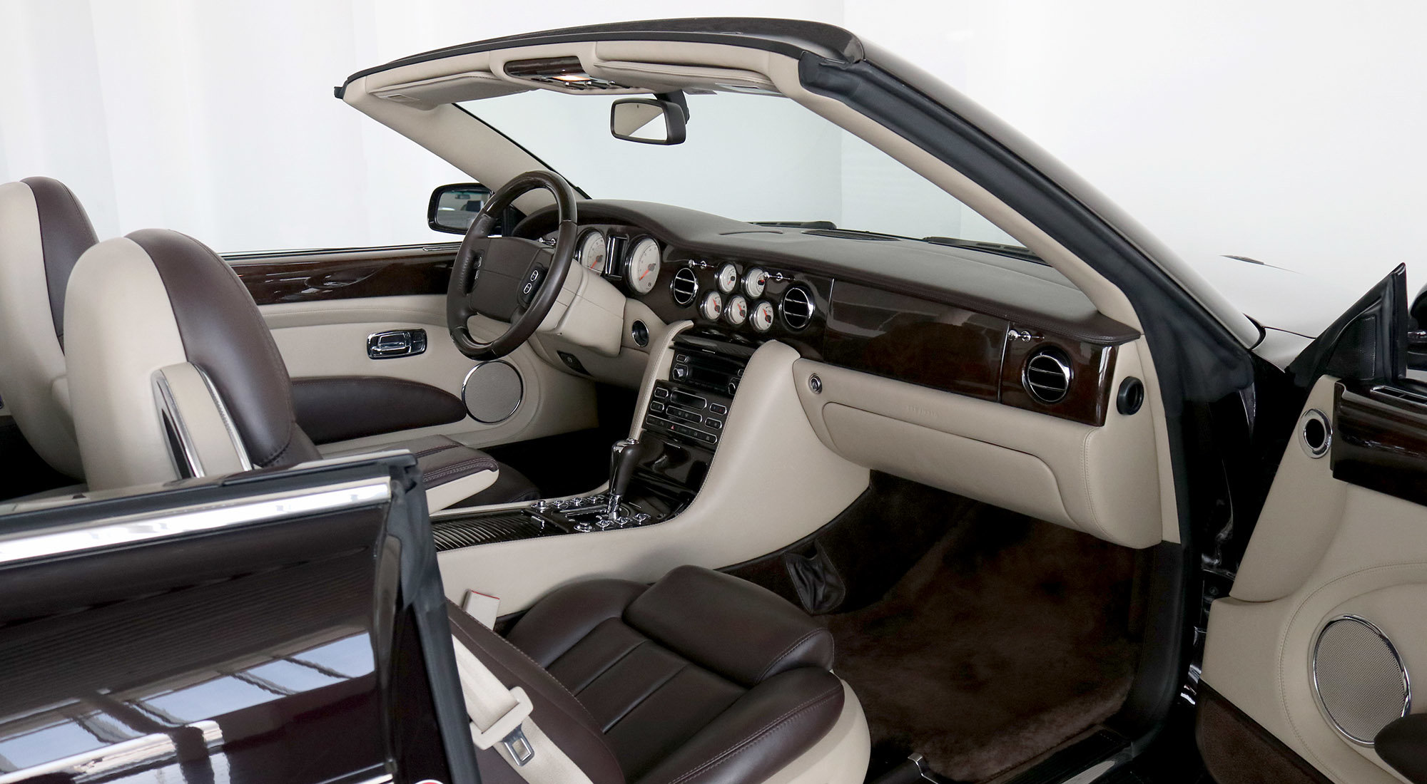 Bentley Azure (2009) For Sale (picture 4 of 6)