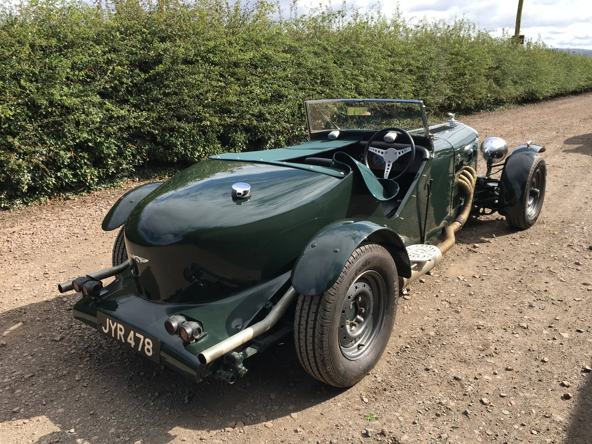 1948 Bentley Mk 6 special with 2 seater Alloy body V8 Automatic For Sale (picture 2 of 6)