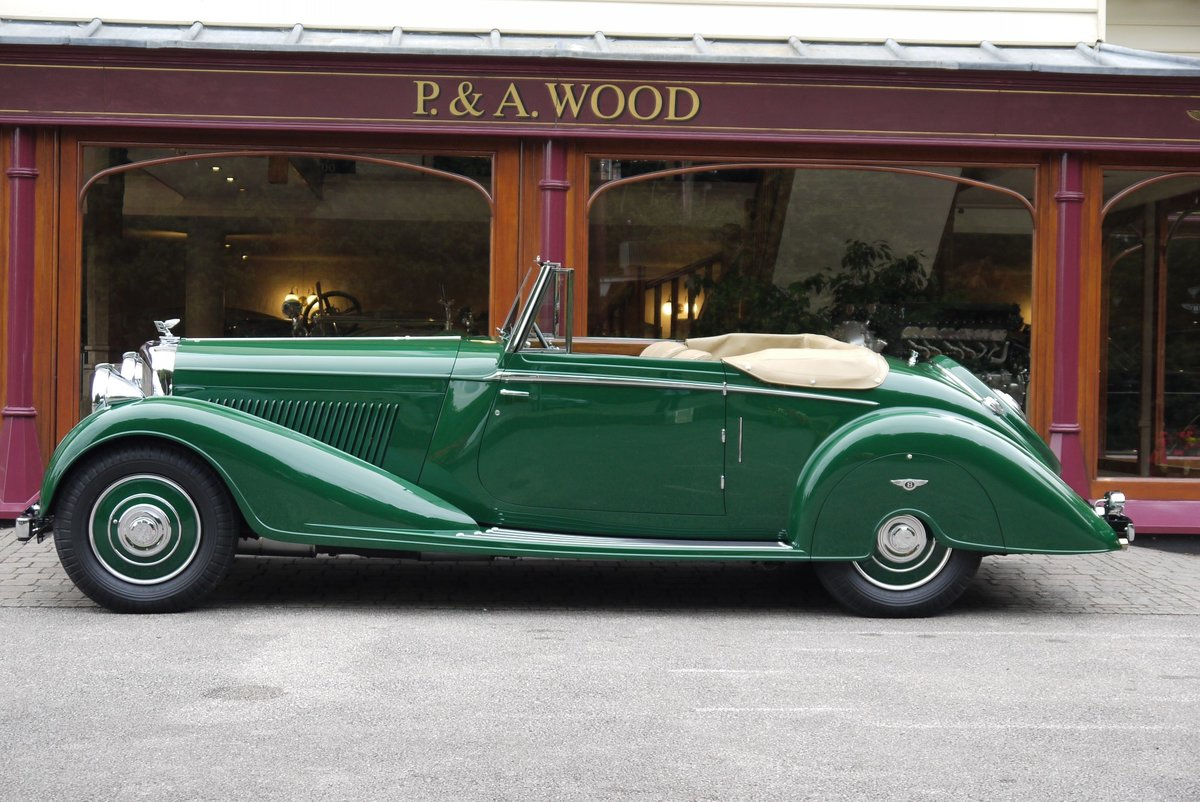 Bentley 4 ¼ Litre MR Series 1938 DHC by Vanden Plas  For Sale (picture 2 of 5)