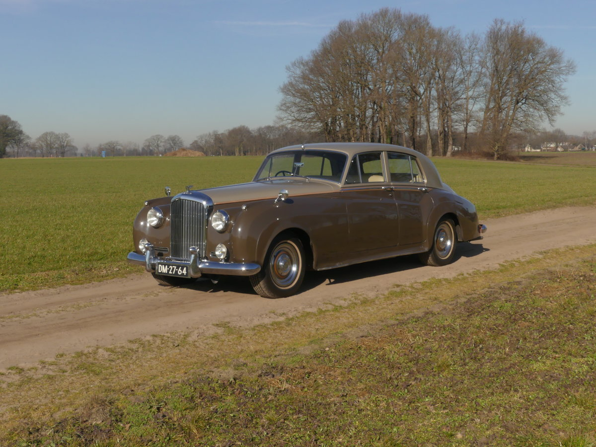 Bentley S1 1957 For Sale (picture 1 of 6)