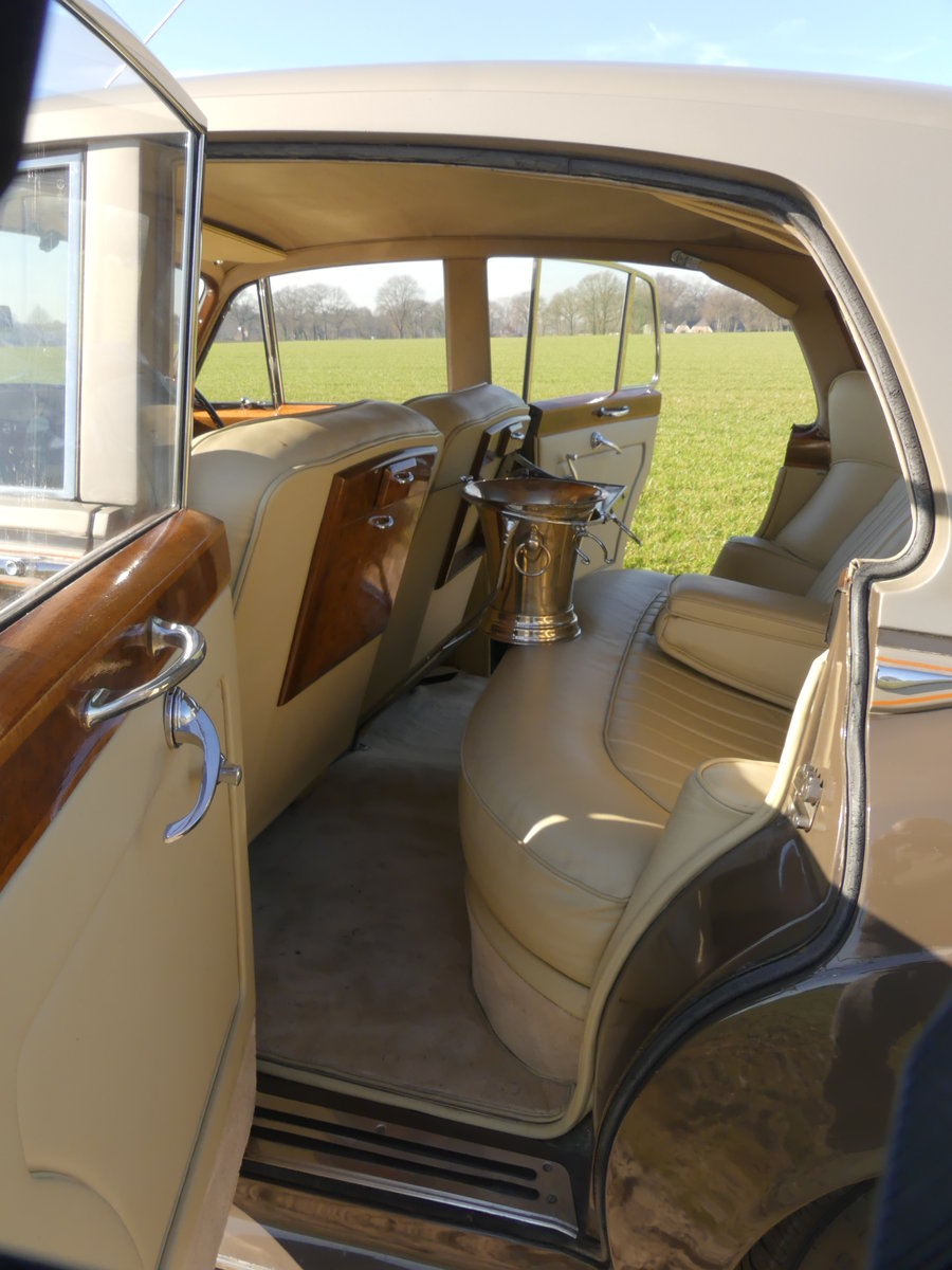 Bentley S1 1957 For Sale (picture 4 of 6)