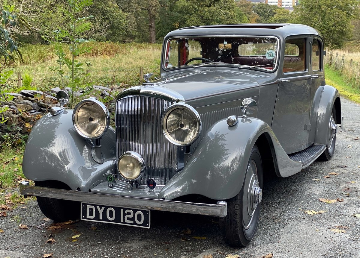1937 Bentley 4 ¼ Litre Park Ward Sports Saloon B172JD For Sale (picture 2 of 6)