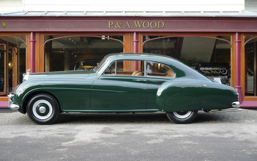Bentley R-Type Continental 1953 Fastback by H.J.Mulliner For Sale (picture 2 of 6)