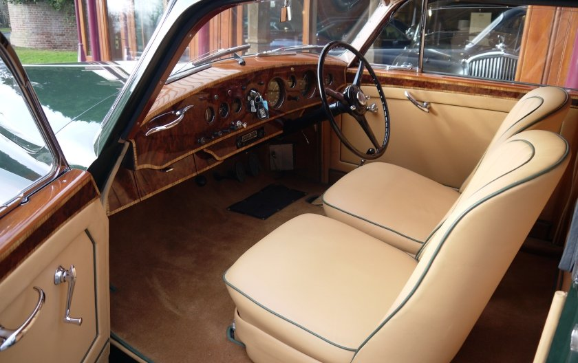 Bentley R-Type Continental 1953 Fastback by H.J.Mulliner For Sale (picture 3 of 6)