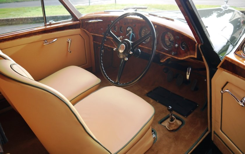 Bentley R-Type Continental 1953 Fastback by H.J.Mulliner For Sale (picture 5 of 6)