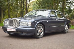 2002 2003 Model/52 Bentley Arnage R in Meteor Blue For Sale
