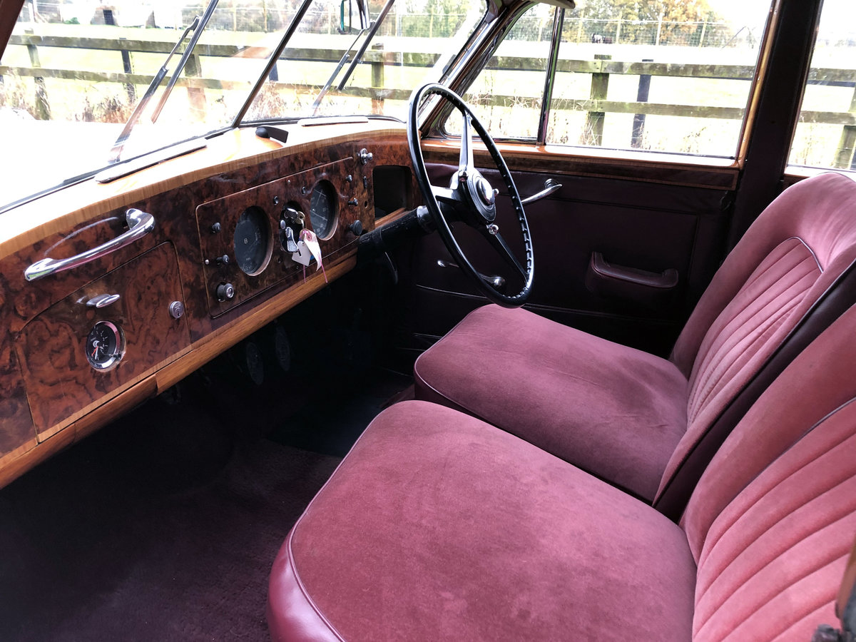 1951 Bentley MKVI   Mulliner Lightweight-offers invited SOLD (picture 2 of 6)
