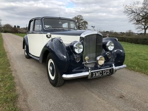 1951 BENTLEY MKVI SALOON IN DARK BLUE AND IVORY For Sale