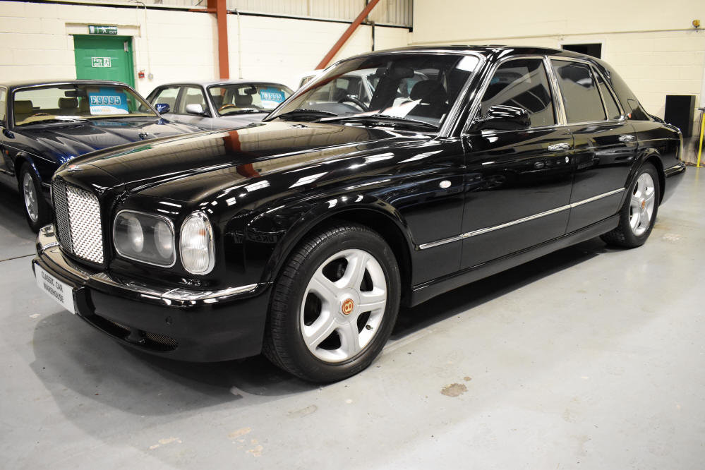 2000 Pristine example in rare triple black For Sale (picture 3 of 6)
