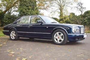 1999 2000 Model V Bentley Arnage Red Label in Royal Blue For Sale