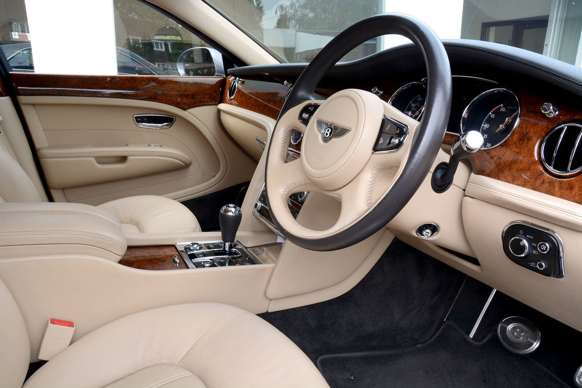2010 2011 Model Bentley Mulsanne For Sale (picture 2 of 6)