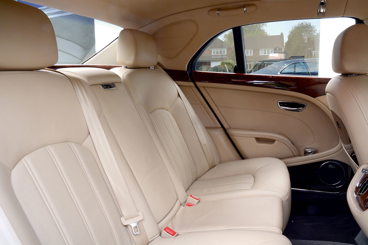 2010 2011 Model Bentley Mulsanne For Sale (picture 4 of 6)