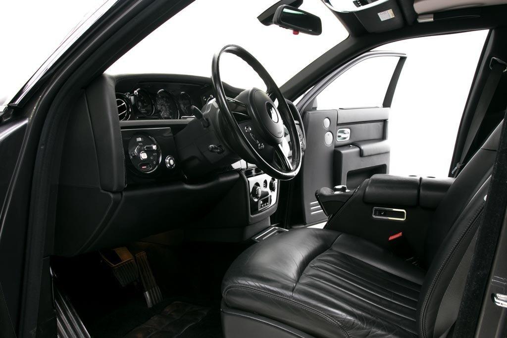 2005 Rolls-Royce Phantom LHD Grey(~)Black 28k miles $89.5k For Sale (picture 3 of 6)