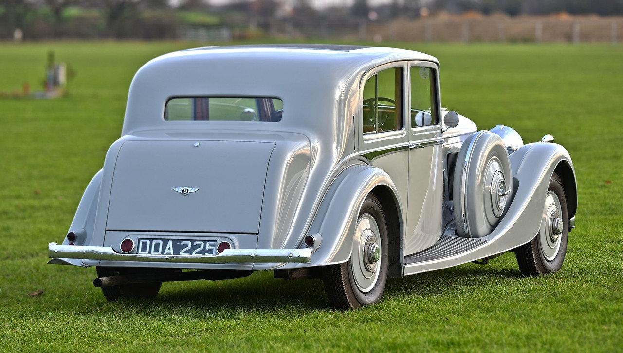 1939 1940 Derby Bentley MX series Vanden Plas overdrive Pillarles For Sale (picture 3 of 6)