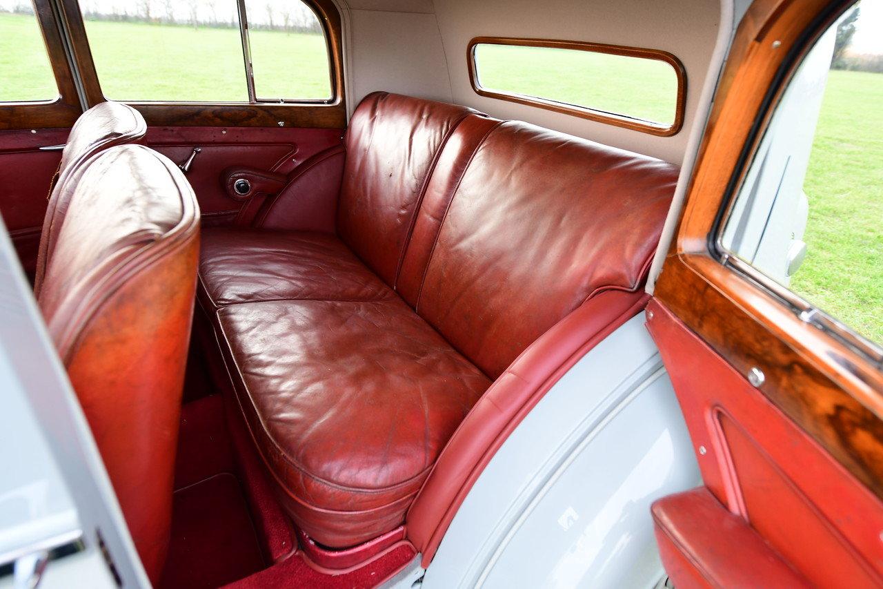 1939 1940 Derby Bentley MX series Vanden Plas overdrive Pillarles For Sale (picture 5 of 6)