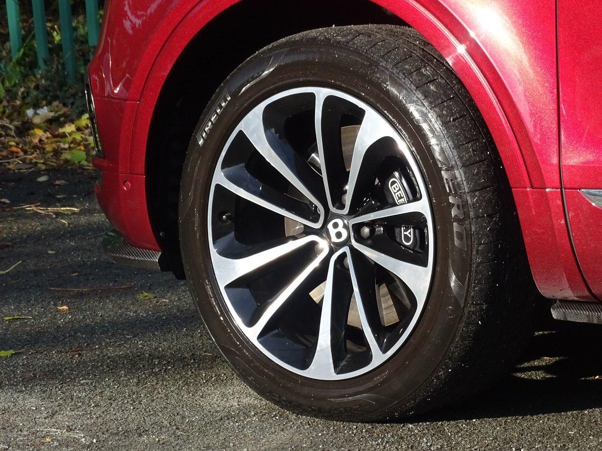 2017 Bentley  BENTAYGA  V8 DIESEL MULLINER AUTO  109,948 For Sale (picture 5 of 24)