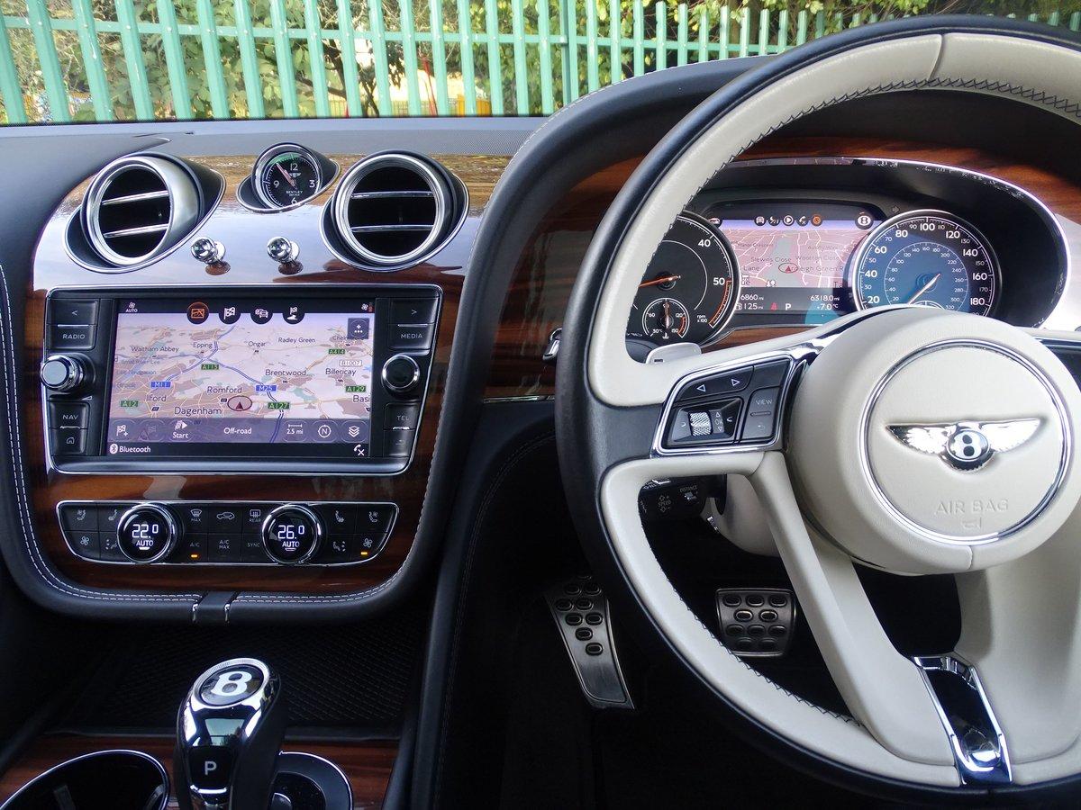 2017 Bentley  BENTAYGA  V8 DIESEL MULLINER AUTO  109,948 For Sale (picture 8 of 24)