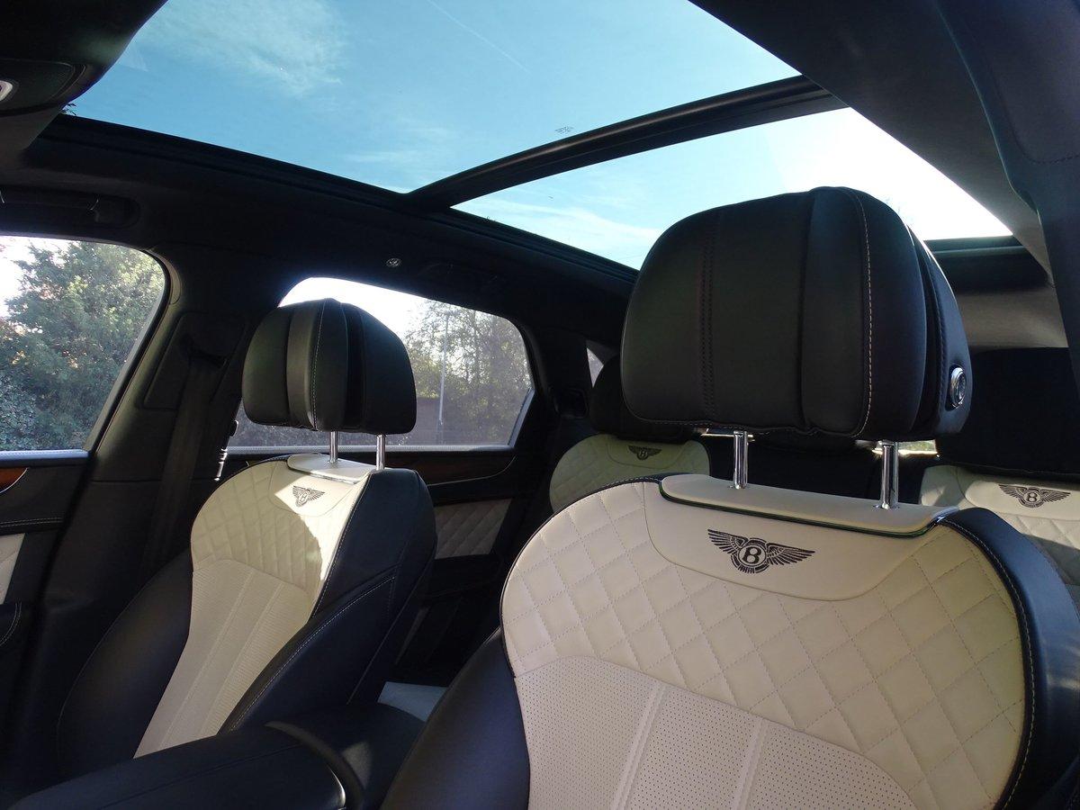 2017 Bentley  BENTAYGA  V8 DIESEL MULLINER AUTO  109,948 For Sale (picture 17 of 24)