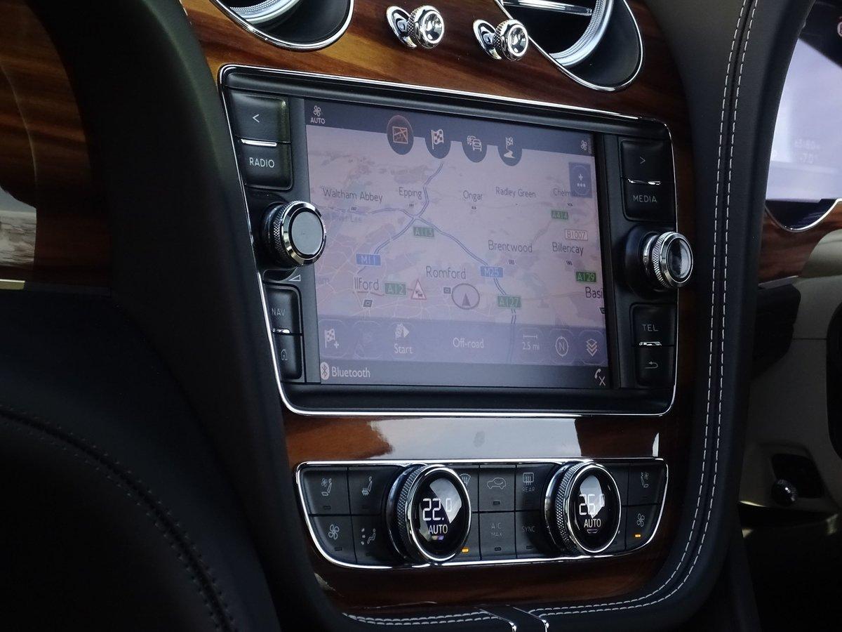 2017 Bentley  BENTAYGA  V8 DIESEL MULLINER AUTO  109,948 For Sale (picture 21 of 24)