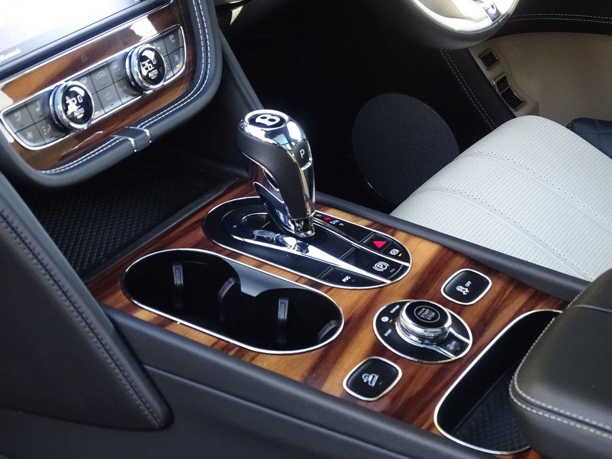 2017 Bentley  BENTAYGA  V8 DIESEL MULLINER AUTO  109,948 For Sale (picture 22 of 24)