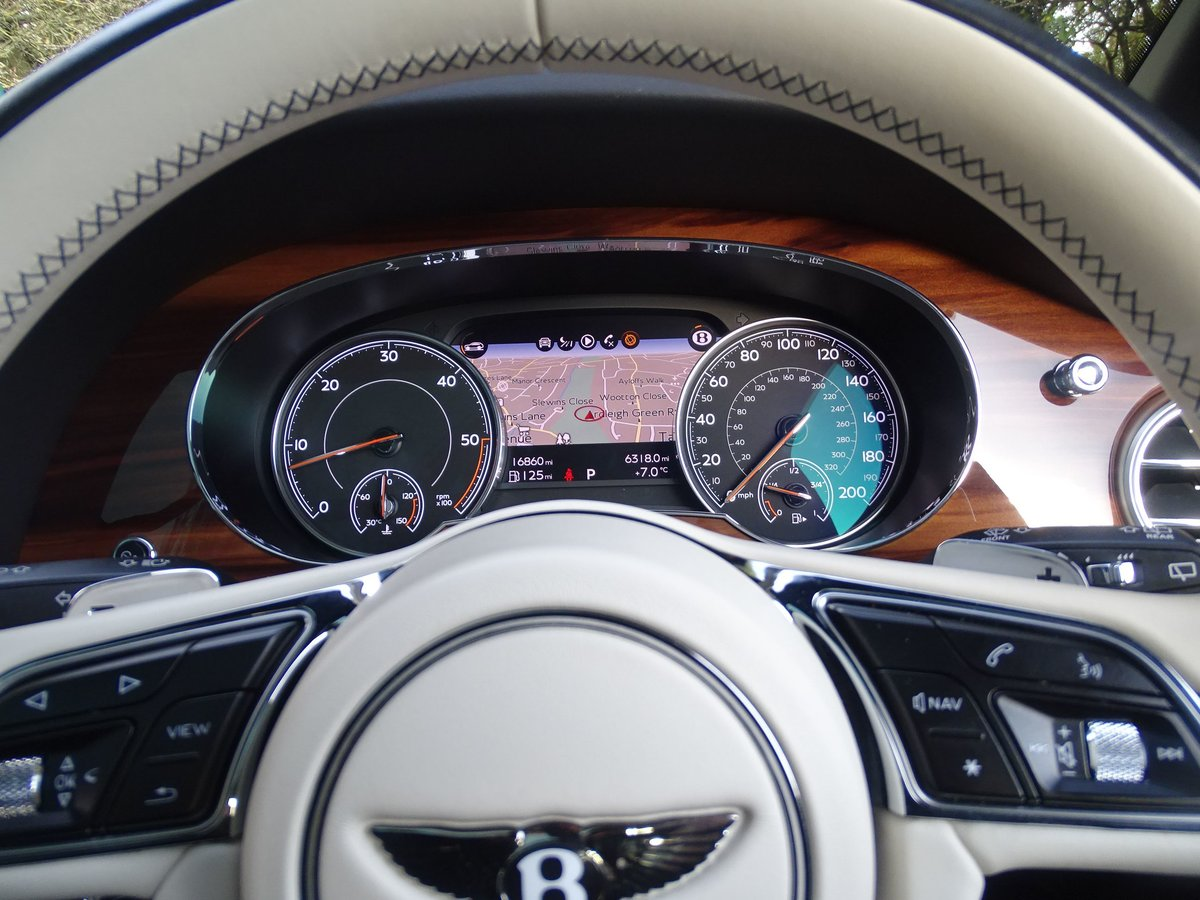 2017 Bentley  BENTAYGA  V8 DIESEL MULLINER AUTO  109,948 For Sale (picture 24 of 24)