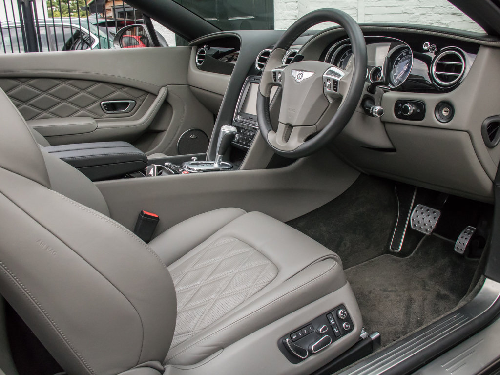 2013 Bentley    Continental GTC W12 Mulliner For Sale (picture 14 of 18)