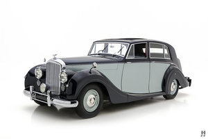 1949 BENTLEY MKVI FREESTONE & WEBB SALOON For Sale