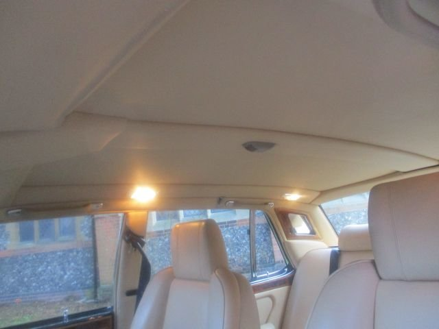 1993 Bentley Turbo R Floor Change mdl  74,400 Miles Stunning For Sale (picture 11 of 21)