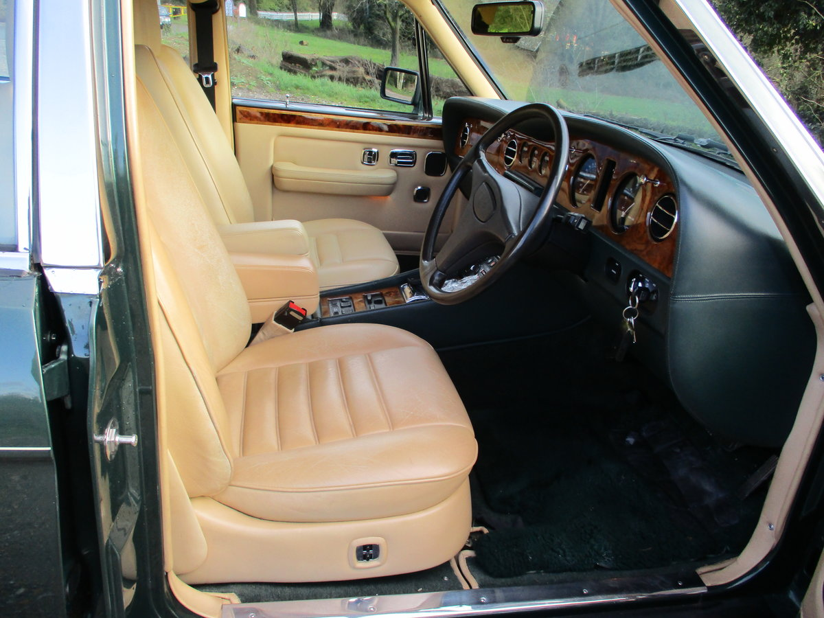 1993 Bentley Turbo R Floor Change mdl  74,400 Miles Stunning For Sale (picture 18 of 21)