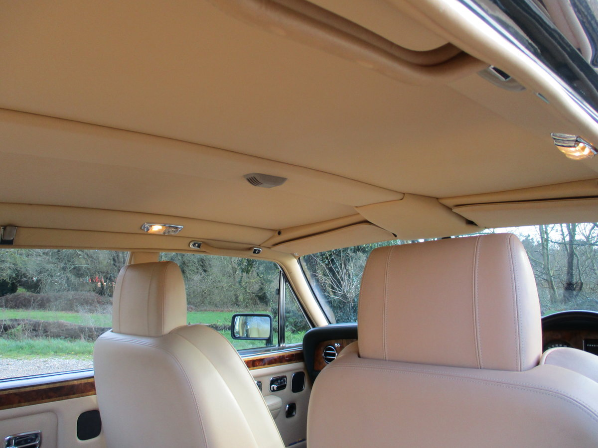 1993 Bentley Turbo R Floor Change mdl  74,400 Miles Stunning For Sale (picture 19 of 21)