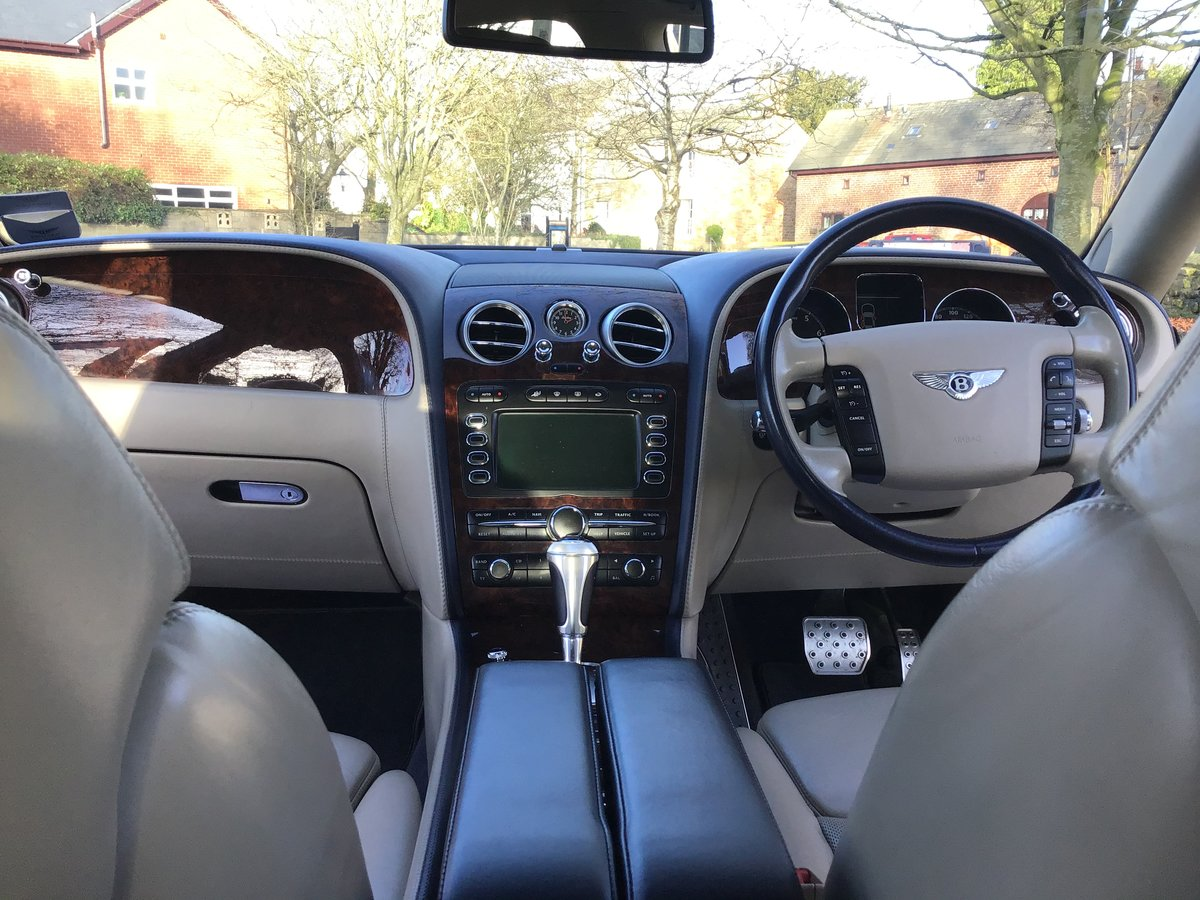 2005 NOW SOLD!    BENTLEY CONTINENTAL FLYING SPUR (picture 5 of 6)
