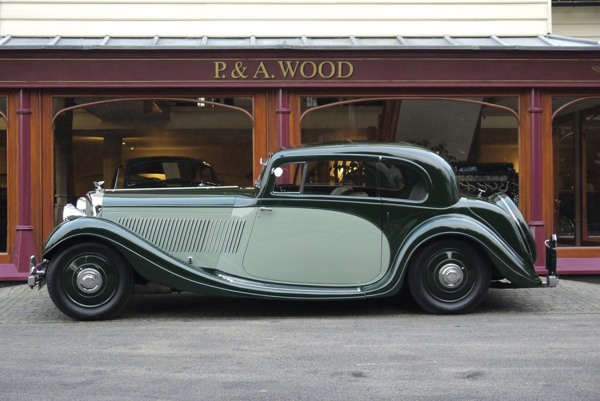 Bentley 4 ¼ litre 1937 Pillarless Coupe by Gurney Nutting For Sale (picture 2 of 6)