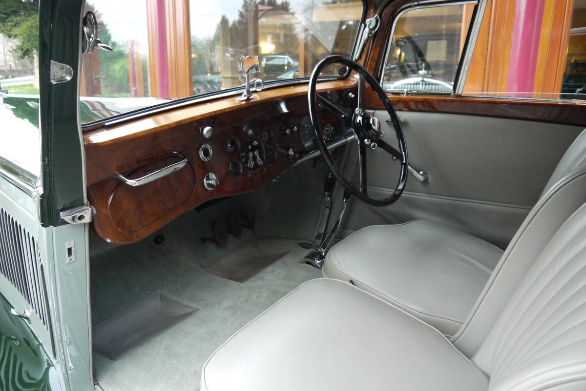 Bentley 4 ¼ litre 1937 Pillarless Coupe by Gurney Nutting For Sale (picture 3 of 6)