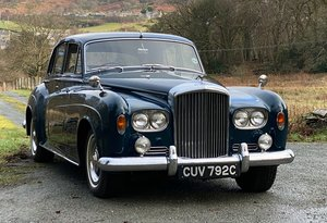 1965 Bentley S3 4dr Saloon with folding rear seat B124GJ For Sale
