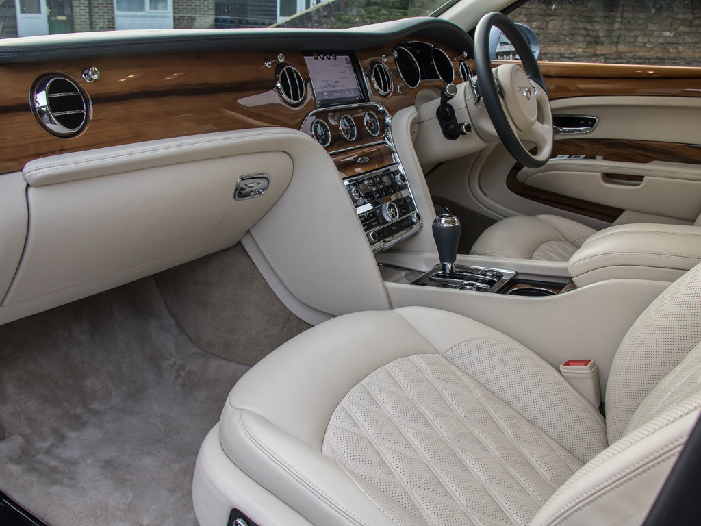 2017 Bentley  Mulsanne  Mulsanne Extended Wheelbase  For Sale (picture 12 of 18)