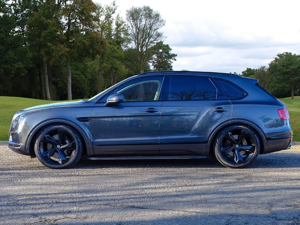 2017 Bentley  BENTAYGA  4.0 V8 DIESEL MULLINER AUTO  104,948 For Sale (picture 2 of 24)